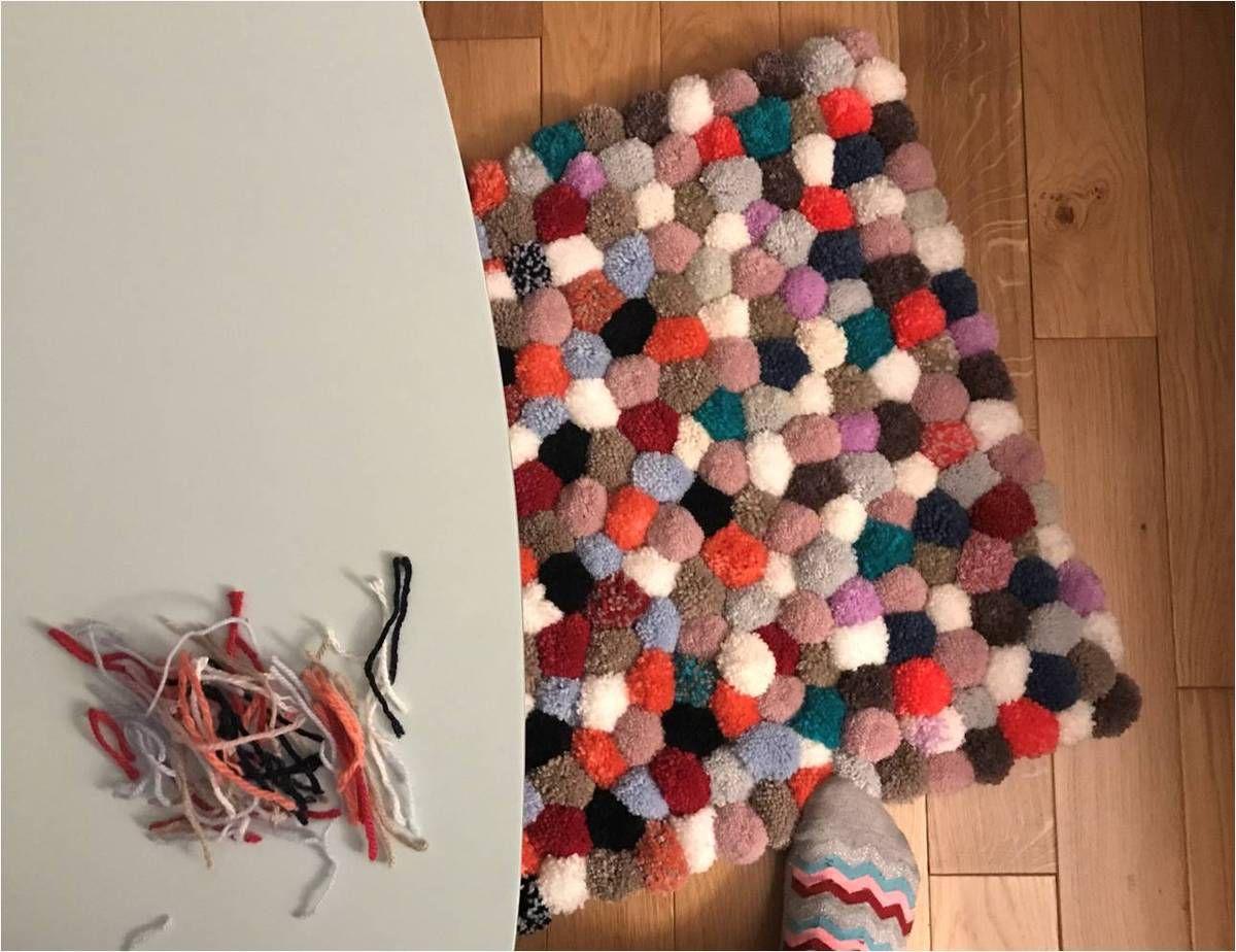 faire son tapis de pompons diy lucky