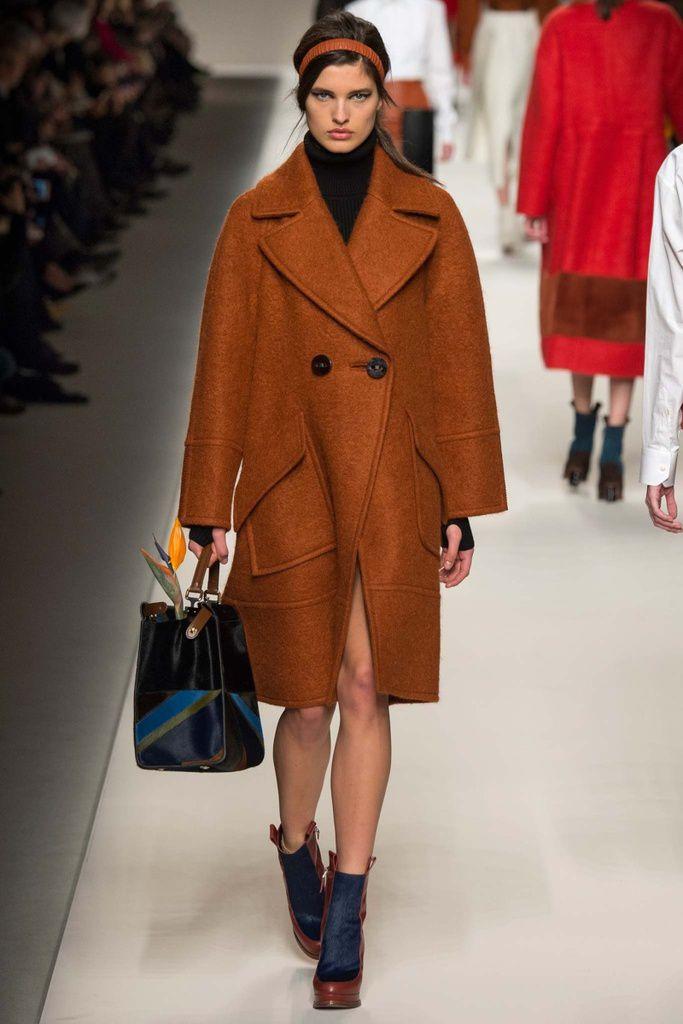 Look Fendi PAP15 crédits: Style.com