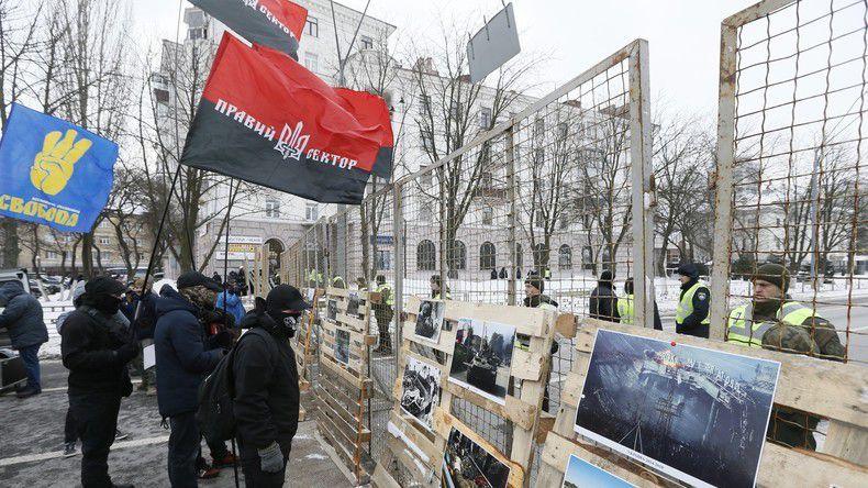 En Ukraine, la police interdit aux citoyens russes de voter
