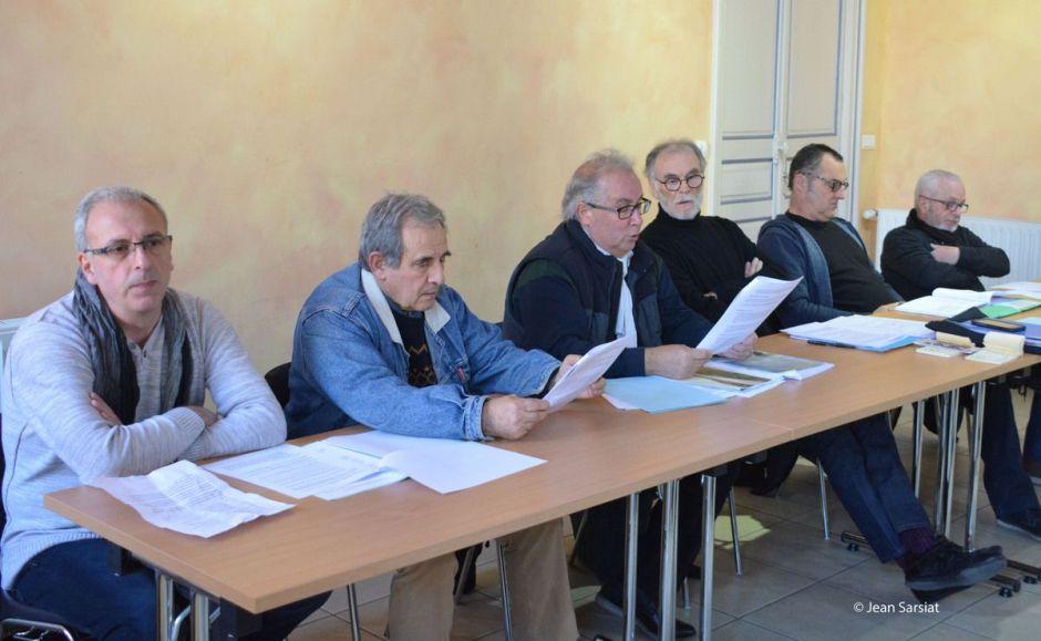De gauche à droite : Pierre Bergès, Jacques Gjini (président AAPPMA gave d'Oloron), Antoine Domenech (président), Pierre Bernard, Jean-Marc Dalens, Bernard Lafite