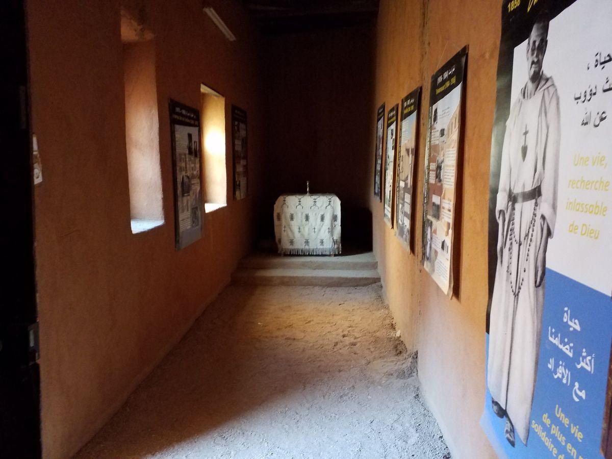 Bordj du Marabout, chambre, le trou par où, disait-on serait passé la balle meurtrière !