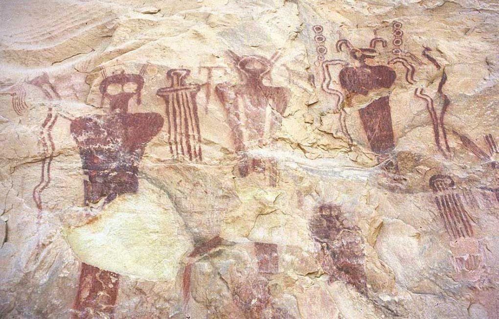 Être extraterrestre de type insecte et représentation Hopi (êtres Fourmis)