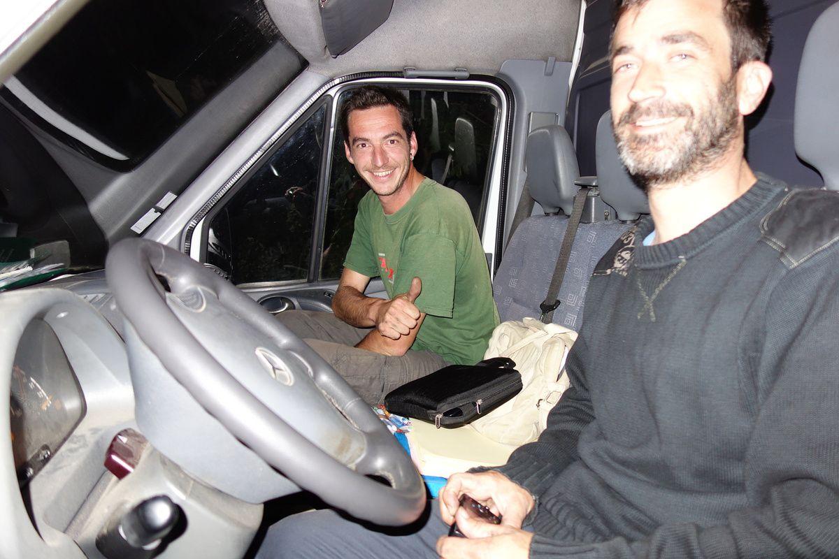 Voici les deux transporteurs de ce voyage, Olivier et Steve, merci à eux!