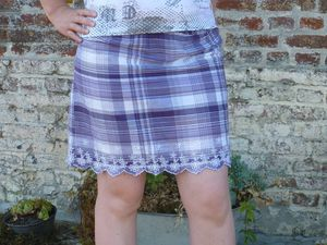 Une tunique transformée en jupe d'été (clic clic sur les photos pour les voir en grand!)