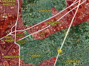 Les quartiers rebelles de Qaboun, Jobar et Zamalka à l'est de Damas au 22/03 et 05/05/2017 (cliquez pour agrandir).