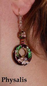 boucle d'oreille perle violette