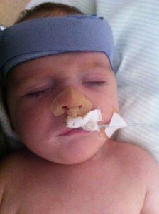 bébé est hospitalisé