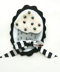 Broche Cupcake Noir et Blanc