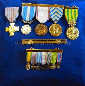 insignes-medailles-barettes-reductions.jpg