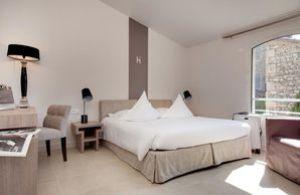 HotelDeLimage1.jpg