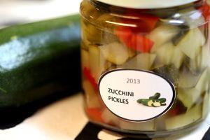 eingelegte zucchini - im glas