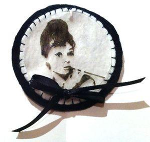 Broche Audrey Hepburn