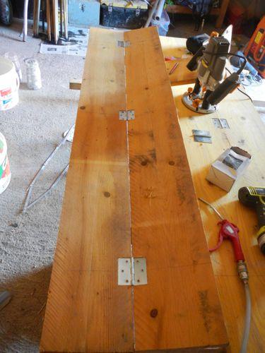 Fabrication De Volets En Bois Avec Decoration Cheval Renover Soi Meme Une Maison En Pierre