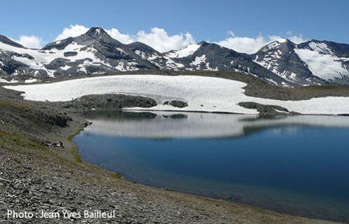 Le-lac-de-la-Rocheure.jpg