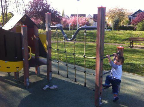 raph-au-parc-pour-enfants.jpg