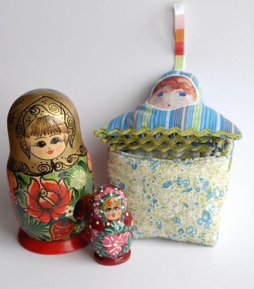 livre en tissu poupée russe
