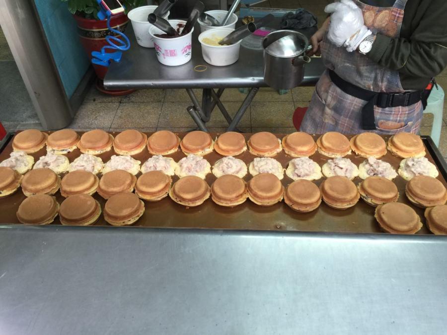【愛吃府城】阿糖哥、麵粉仔與紅豆弟的命中相遇:一場足以推翻台南甜食戰國的三結義