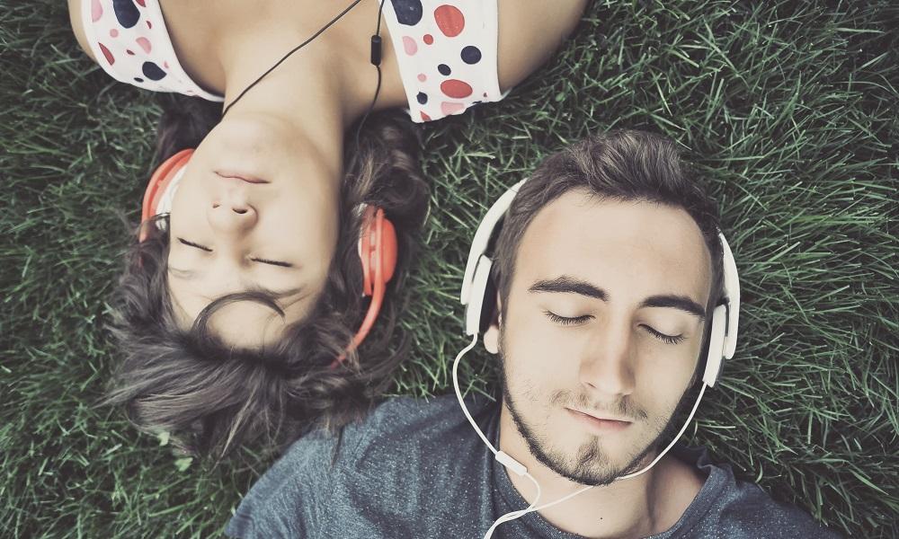 Müzik Dinleyin! Enstrüman Çalın!