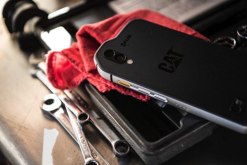 Caterpillar D 233 Voile Le Cat S61 Un Smartphone Android