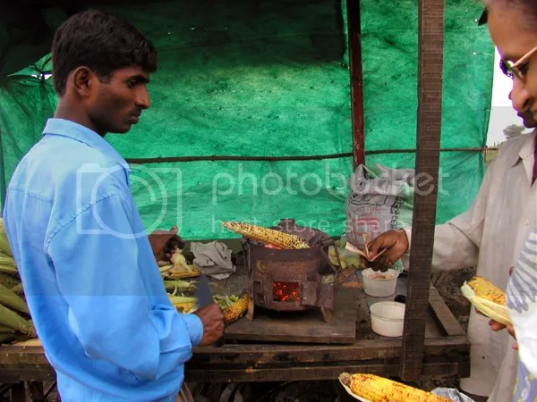 pics of charcoal roasted maize corn by Arun Shanbhag