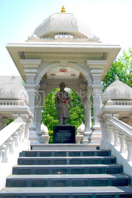 Hindu Temple Chicago Picture of Swami Vivekananda Statue Lemont