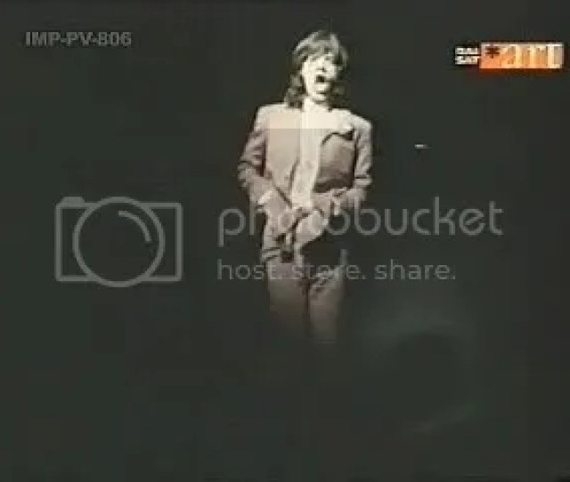 Video Clip Street Fighting Man Mick Jagger April 1969 From The Italian Movie Umano Non Umano