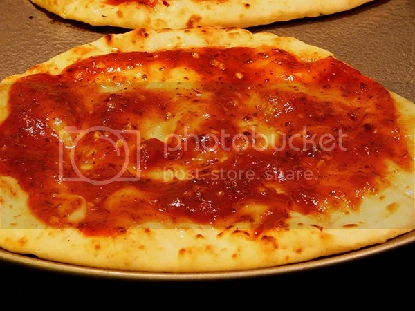 Naan and sauce