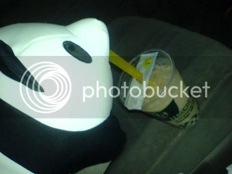 Panda-kun drinking bubble tea~