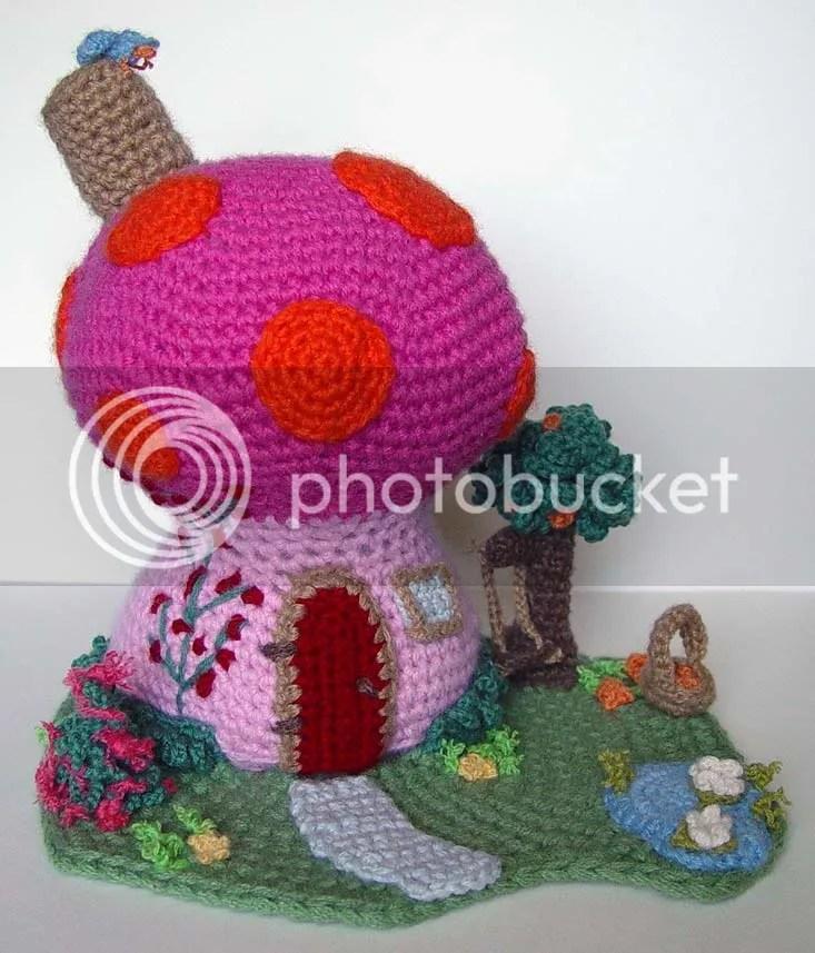 migurumi mushroom house by meekssandygirl