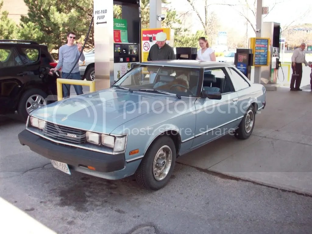 I hadent seen one of these in person before. I freaked out and made Jodie run over to the gas pumps with me to grab some snaps. Owner was a really cool fellow who loved his Toyota Celica GT, and his dog was pretty, and bitey.