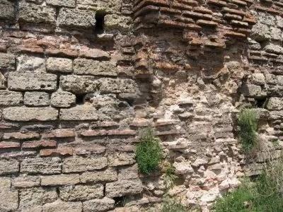 https://i1.wp.com/img.photobucket.com/albums/v20/Blackcat666x/588056-dettaglio-di-un-muro-di-mattoni-a-un-sito-di-antiche-rovine-romane_zps73d27fbf.jpg