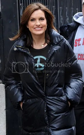 https://i1.wp.com/img.photobucket.com/albums/v20/Blackcat666x/IMVU/River%20Marked/293adMariskaHargitay021109_zpse11e4d88.jpg