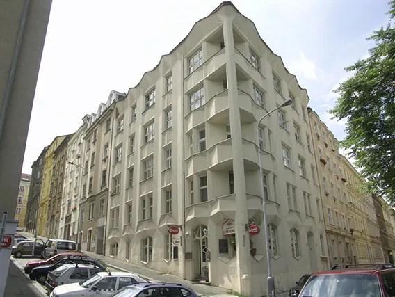 https://i1.wp.com/img.photobucket.com/albums/v20/Blackcat666x/IMVU/apartmentbuilding.jpg