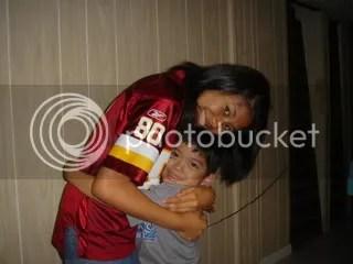 big hug for auntie faye faye =)