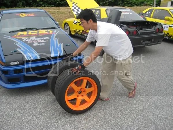 Yoong rolling his wheels to the pits