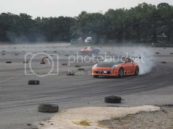 The air suspension 350z been drifted by Rudy himself
