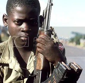 Ouganda-LRA-Enfant-Soldat-1-5.jpg picture by smallmonkey