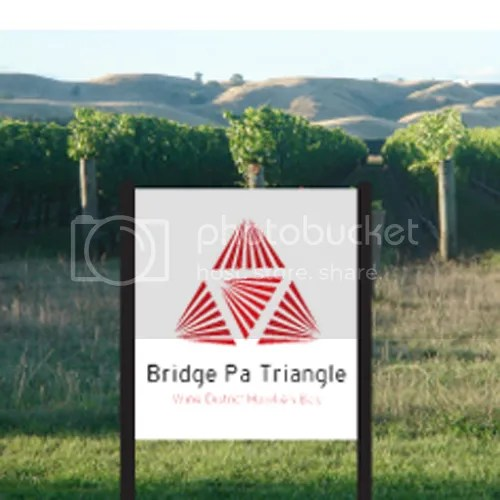 photo Logo_Bridge-Pa-Triangle-Winery_Wine-District-Hawkes-Bay_dian-hasan-branding_NZ-3_zpsceef6808.png