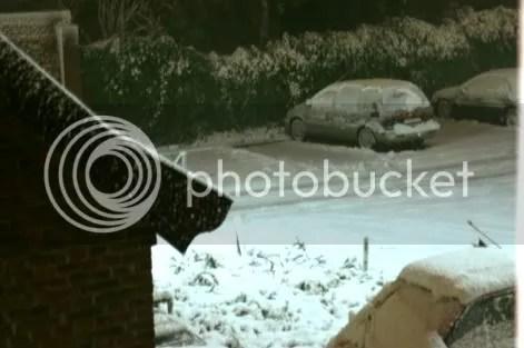 Deze foto is met een statief gemaakt om 22:19 uur. Zie hoe dik de sneeuw al ligt.