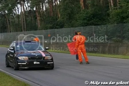 Theresia beëindigt haar race onder de rode vlag als laatste op de baan maar als 8ste in de uitslag. Na dit weekend voelt dit als een podiumplek