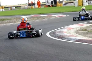 Sam spent much of the heats chasing the back of S1 competitor #9
