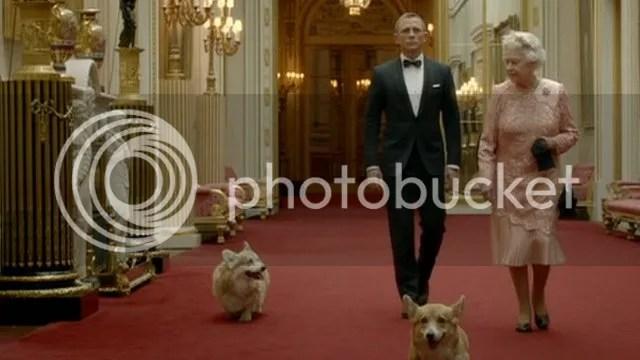 James Bond e a Rainha