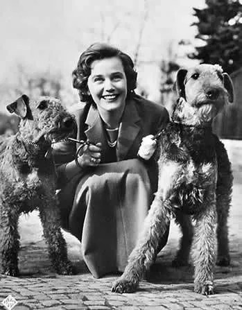 1926 Airedales photo 1926_Airedales_MariaSchell_Actress.jpg