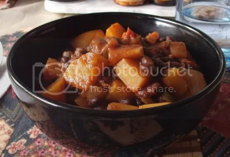black bean butternut chili served