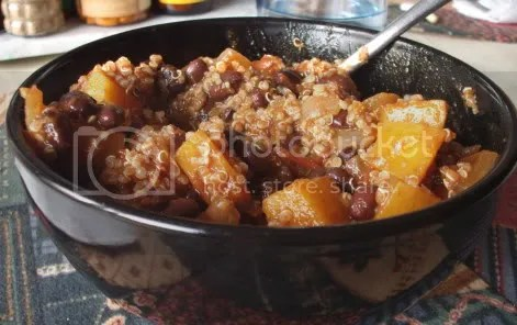 black bean butternut chili w/ quinoa