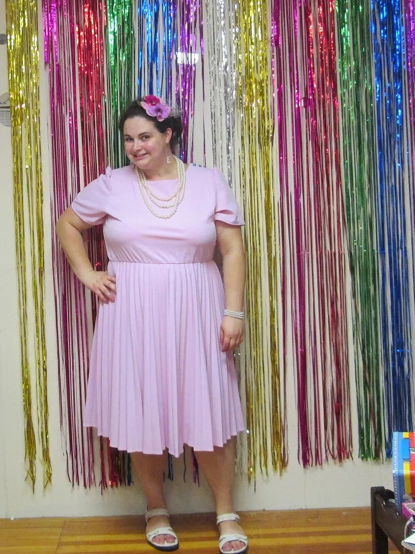plus size outfit pink vintage style dress and pearls