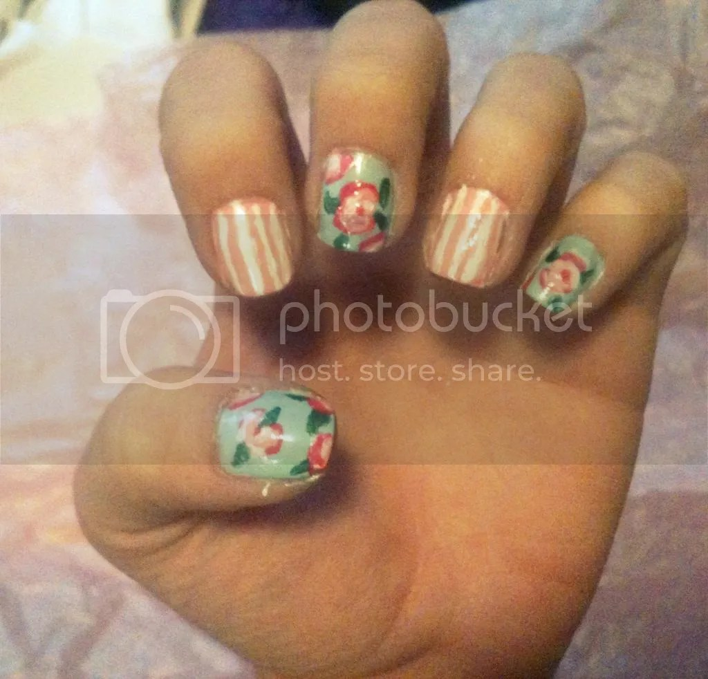 photo floralnails_zps511eb8e5.jpg