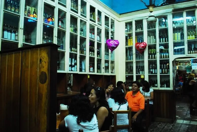 Bar de Juanito de noche