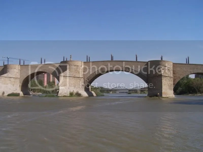 Roman bridge in Zaragoza.