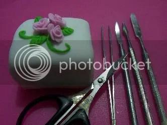 Mini Cake Mbak Ine dengan peralatan claynya